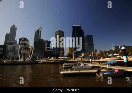 Les petits bateaux amarrés à quai Elizabeth, Perth, Australie occidentale. Pas de monsieur ou PR Banque D'Images