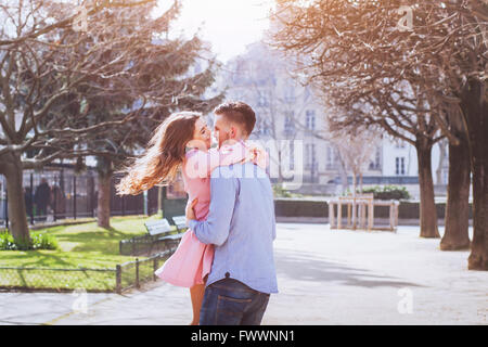 Happy young couple having fun together Banque D'Images