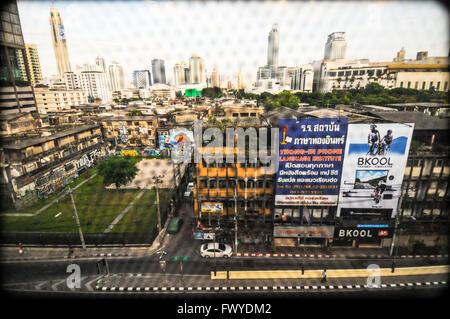 Vue depuis Bangkok Metropolitan Rapid Transit ou MRT, 2015 Banque D'Images