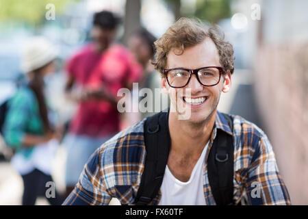 Portrait of young man smiling Banque D'Images
