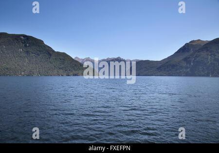 Le lac Manapouri en Nouvelle-Zélande île du sud Banque D'Images
