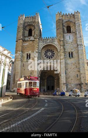 La Cathédrale Patriarcale de Sainte Marie Majeure, Lisbonne, Portugal Banque D'Images