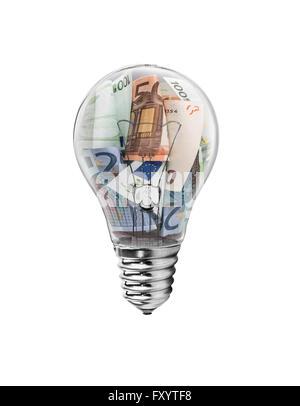 Ampoule avec l'introduction des billets à l'intérieur. Sur un fond blanc. Banque D'Images