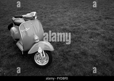 Vintage Retro scooter Vespa Banque D'Images