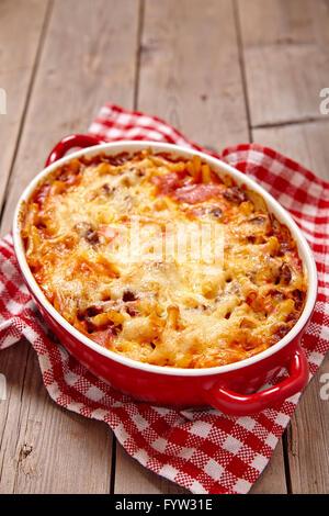Casserole de macaroni avec du boeuf haché Banque D'Images