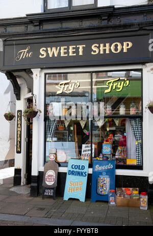 Sweet Shop traditionnels dans George Street, Hastings, East Sussex. UK Banque D'Images