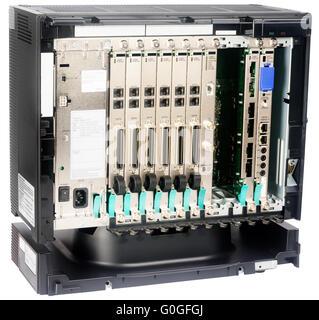 Système de commutation téléphonique sans couvercle avant isolated on white Banque D'Images