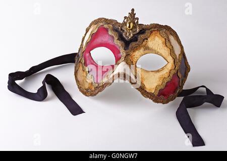 Masque de papier, peint et décoré de frises. Venezia. Veneto. L'Italie. Banque D'Images
