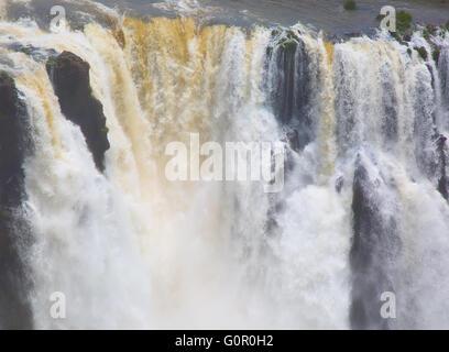 Célèbre d'Iguazu à la frontière entre l'Argentine et le Brésil Banque D'Images