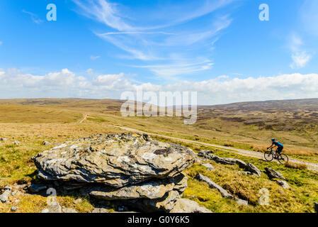 Sur l'ensemble de la piste cycliste Bowland Fells Lancashire portent des noms Salter's Way Salter a chuté Route Banque D'Images
