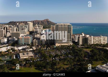 Vue aérienne du port d'Ala Wai, Waikiki Beach, hôtels, Diamond Head Banque D'Images