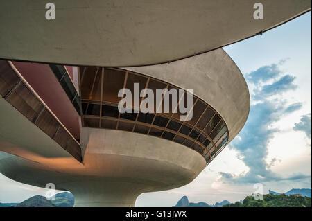 Niemeyer Musée des Arts Contemporains, Détail de la structure, Niteroi, Rio de Janeiro, Brésil Banque D'Images