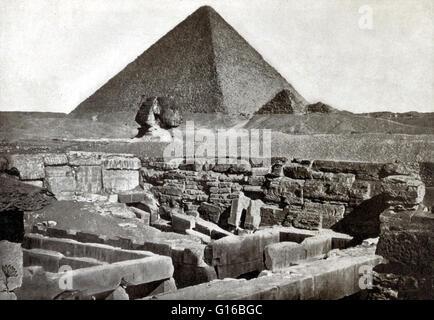 """Légende: terrasse panoramique de l'et de la Grande Pyramide, prise en 1887."""" La nécropole de Gizeh (pyramides de Banque D'Images"""