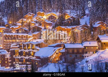 France, Savoie, Tarentaise, La Tania est une des plus grandes station village de France, au coeur des Trois Vallées Banque D'Images
