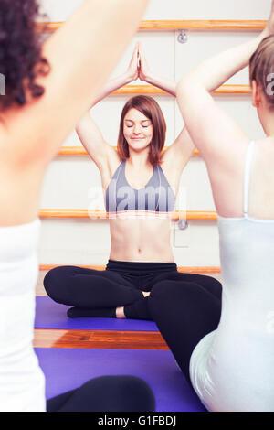 Yoga de grossesse Banque D'Images