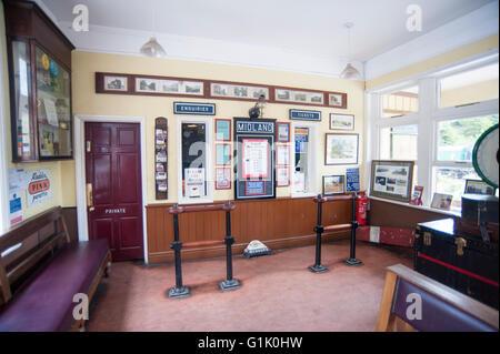 Salle d'attente à l'ancienne