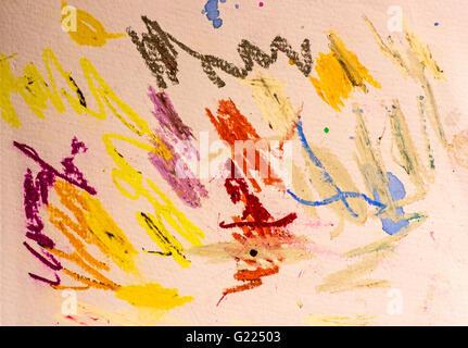 Un artiste a testé pastels à l'huile sur papier d'art pour voir comment les couleurs s'affichent avant de les utiliser Banque D'Images