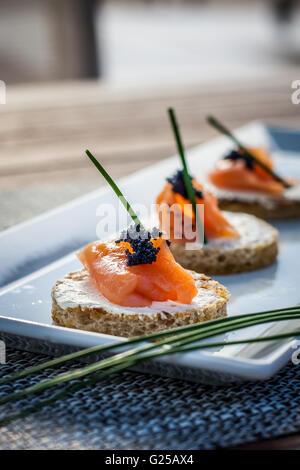 Canapés au saumon fumé et fromage à la crème
