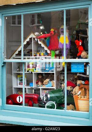 magasin de jouets fen tre avec des poup es et des produits traditionnels berchtesgaden en. Black Bedroom Furniture Sets. Home Design Ideas