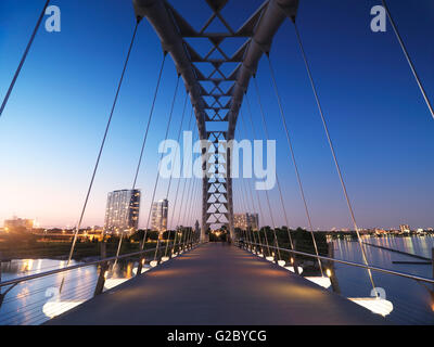 Pont en arc de la rivière Humber, Toronto, Ontario, Canada Province