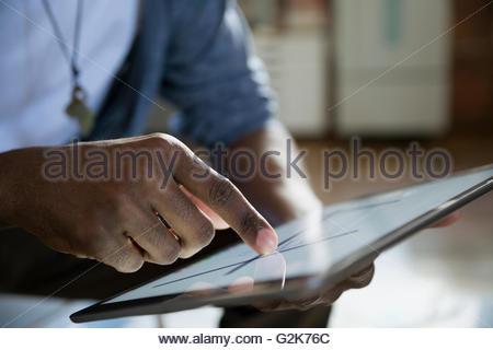 Close up designer using digital tablet Banque D'Images