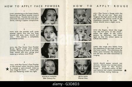 Rochelle Hudson et Bette Davis démontrer comment appliquer la poudre et rouge respectivement dans un livret de promotion Banque D'Images