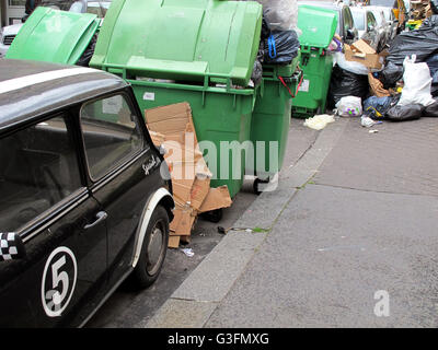 Grève de la collecte des ordures, Paris, 75006, France Banque D'Images