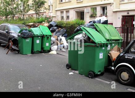 Grève de la collecte des ordures, 11juin 2016, Paris, 75006, France Banque D'Images