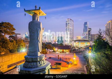 Le Grand Bouddha de Bongeunsa à Séoul, Corée du Sud. Banque D'Images