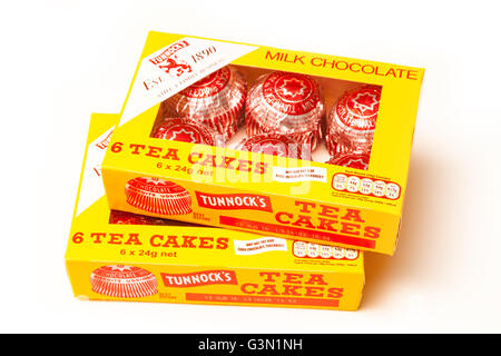 La marque Tunnock gâteaux de thé, chocolat et gâteaux traditionnels guimauve isolated on a white background studio. Banque D'Images