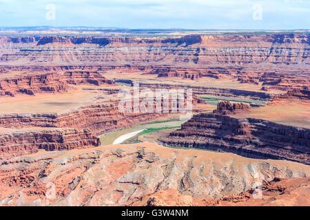 Vue sur Rivière Colorado Canyonlands National Park et Dead Horse Point de négliger, Utah, USA Banque D'Images