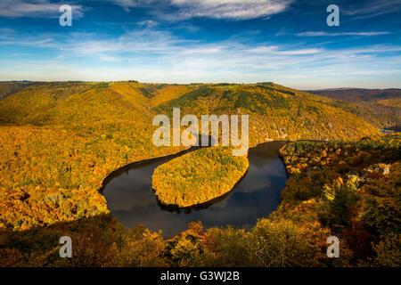 Méandre de Queuille et rivière sioule en automne, , Auvergne Rhones Alpes, France Banque D'Images