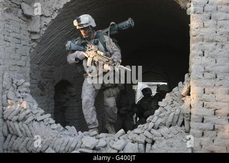 Marines conduite des opérations de combat en Afghanistan, Zad maintenant, au cours de la colère de l'Opération Cobra. Banque D'Images