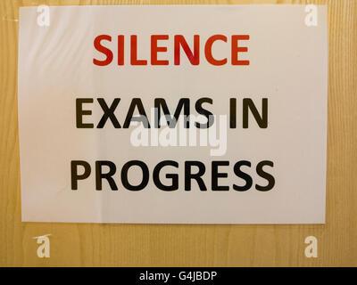 Examens en cours silence Banque D'Images