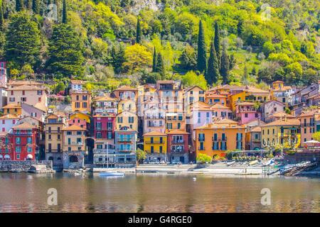 Le Pisa sur le lac de Côme dans la province de Lecco, Italie. Banque D'Images