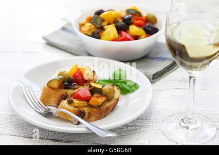 Caponata sicilienne, italienne, ragoût de légumes aubergine aubergine Banque D'Images