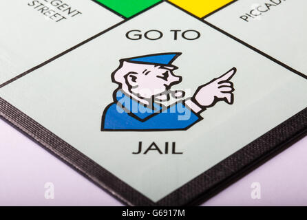 Aller en prison sur l'avis du conseil d'un monopole