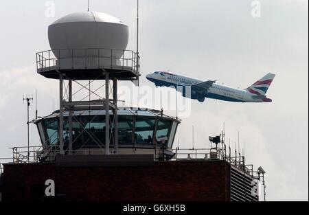 Tour de contrôle d'Heathrow Banque D'Images