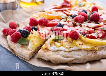 Pizza fruits grillés au miel Banque D'Images