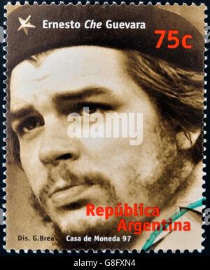 Argentine - circa 1997: timbre imprimé en Argentine montre Ernesto Che Guevara, vers 1997 Banque D'Images
