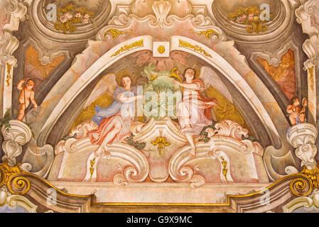 BRESCIA, ITALIE, 2016: la fresque des anges comme le symbole de vertu cardinale de l'amour dans Chiesa di Santa Banque D'Images