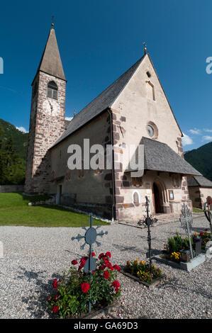 Église Santa Maddalena, Villnoess ou Funes vallée, Dolomites, Trentin-Haut-Adige, le Tyrol du Sud, Italie, Europe Banque D'Images