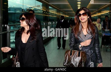 Shilpa Shetty arrive à l'aéroport d'Heathrow - Londres Banque D'Images