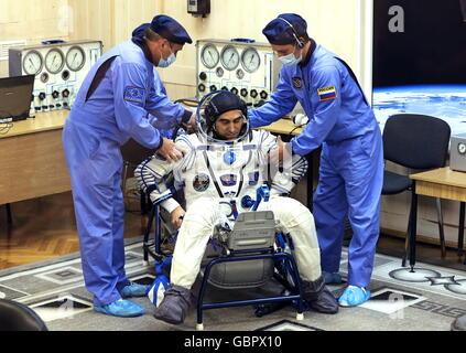 Cosmodrome de Baïkonour, au Kazakhstan. 7 juillet, 2016. Le cosmonaute russe Anatoly Ivanishin (Roscosmos), s membres Banque D'Images