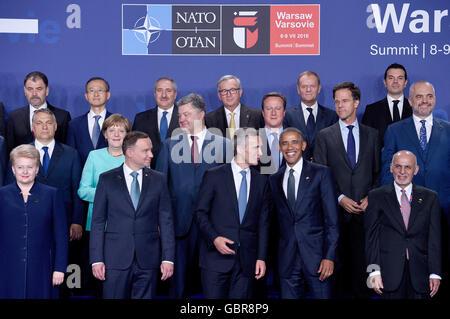Varsovie, Pologne. 8 juillet, 2016. Les chefs d'états et gouvernements de l'OTAN se sont réunis pour une photo de Banque D'Images