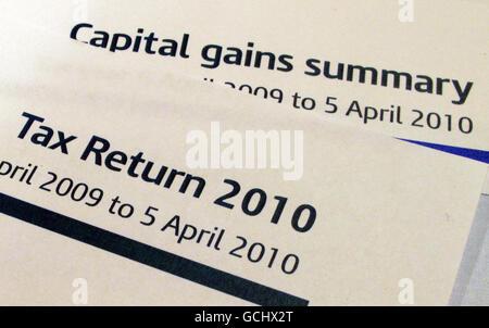 Une déclaration de revenus (formulaire d'auto-évaluation) et un formulaire sommaire des gains en capital de HM revenu et douanes ( HMRC ).
