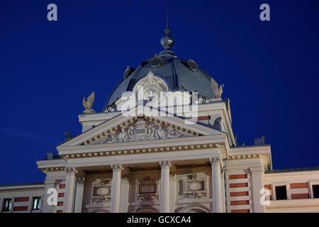 Façade de l'ancien Hôpital Coltea à Bucarest situé dans le centre de Bucarest, Roumanie Banque D'Images