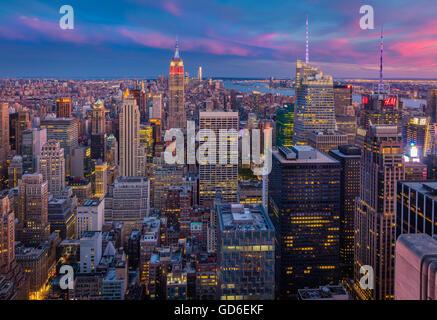 Manhattan au coucher du soleil du Rockefeller Center à New York Midtown Banque D'Images