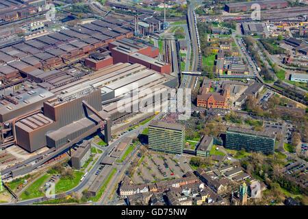 Vue aérienne, ThyssenKrupp Steel, Duisburg, les travailleurs de l'IG Metall en face du siège social de ThyssenKrupp Banque D'Images