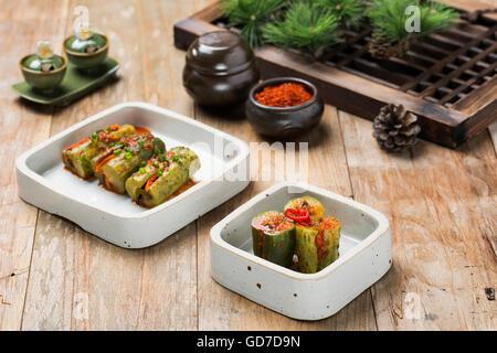 La nourriture traditionnelle coréenne - Kimchi (fermenté/Cornichon, la Cuisine Asiatique) Banque D'Images